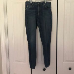 AG The Legging Ankle in size 28.